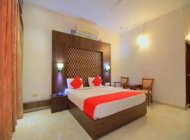 Grand Milestone Hotel, hotel in Mysore