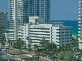 Miami Beach Renovated Townhouse on the Ocean, villa in Miami Beach