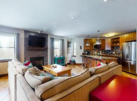 Tyra Summit #B2F, villa in Breckenridge