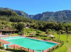 Pousada&Camping Nativos dos Canyons, hotel in Praia Grande