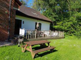 2021 is here - Mews Cottage Lulworth 1 & 2, hotel in Wareham