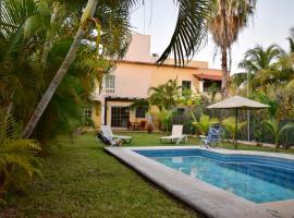 Cancun-Soho B&B, hotel near Cancún International Airport - CUN,