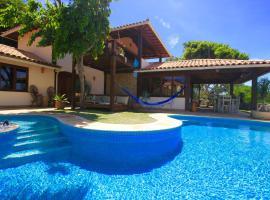 Buzios Hillside Retreat, hotel with jacuzzis in Búzios