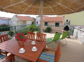 Apartments and rooms Petar, hotel u Vodicama