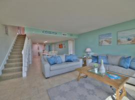 Stunning 3BR Beachfront Condo with Gorgeous Views and Boat Dock!, apartment in Pensacola