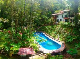 Agua Inn, hotel cerca de Cavernas de Venado, Nuevo Arenal