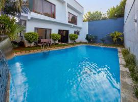 Coastal Hideout by Vista Rooms, hotel with pools in Chennai
