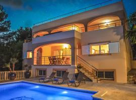 Villa Can Pera Serra, hotel near Cala Bassa Beach, Port des Torrent