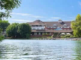 Crowne Plaza Reading, hotel near Bearwood Lakes Golf Club, Reading