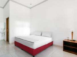 OYO 3374 Hotel Mile, hotel in Jepara