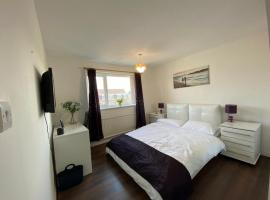 Spacious double room close to train station, hotel in Aylesbury