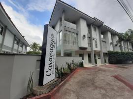 Caravaggio Praia Hotel, hotel near Ponta das Canas Beach, Florianópolis