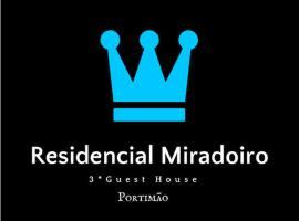 Residencial Miradoiro Guest House, hotel en Portimão
