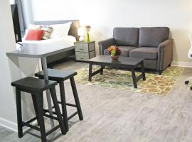 DOWNTOWN New Modern Loft with full kitchen, Gym, Rooftop Terrace, vacation rental in Mobile