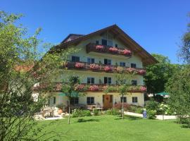 Gästehaus Destina, apartment in Chieming