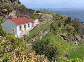 Casa Pedras Brancas, hotel in Lajes das Flores