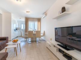 Apartman Dela, self catering accommodation in Trogir