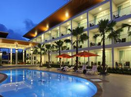 Clear House Resort, hotel in Kamala Beach