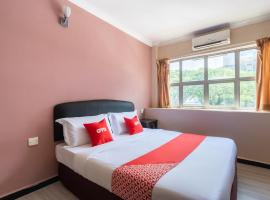 OYO 89844 Green Villa Hotel, hotel in Nilai