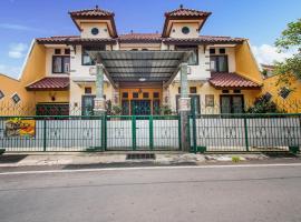 OYO 3217 The Ts Homestay, hotel near MX Mall Malang, Malang