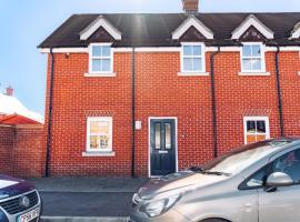 Detached Coach House, hotel near Colchester Zoo, Colchester