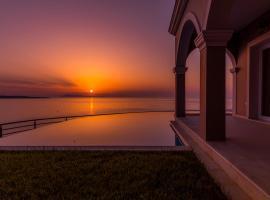 Pictures Suites, boutique hotel in Agios Stefanos