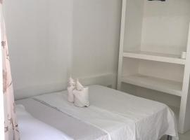 OYO 619 Commodores Inn, inn in Puerto Princesa