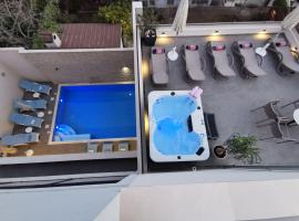 Luxury Rooms Pino, homestay in Split