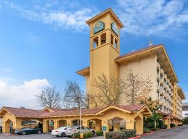 La Quinta by Wyndham Seattle Sea-Tac Airport, hotel near Sea-Tac Airport - SEA,