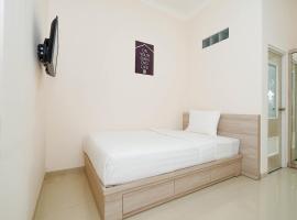 OYO Life 3273 Kanaan Residence, hotel near Water Blaster, Semarang