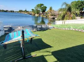 3/2 Lake House - Water Activities And Docking Area 2, villa in Fort Lauderdale