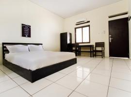 OYO 1399 Cemara Residence Syariah, hotel in Cirebon