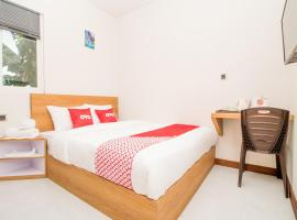 OYO 3307 Ayudia Guesthouse، فندق في Kesiman