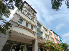 OYO 3364 Batam One Guesthouse, hotel in Batam Center