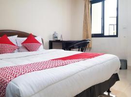 OYO 3445 Delima Guest House Syariah, hotel near Halim Perdanakusuma Airport - HLP, Jakarta