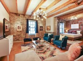 Stylish Warehouse Apartments, vacation rental in New Orleans
