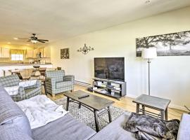 Rustic Fairplay Townhome with Deck and Mtn Views!, hotel with parking in Fairplay