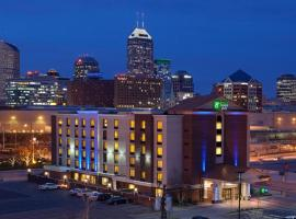 Holiday Inn Express Hotel & Suites Indianapolis Dtn-Conv Ctr Area, hotel near Lucas Oil Stadium, Indianapolis