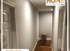 Honore House II, homestay in Chicago