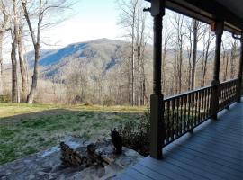 Mountain Blessings, hotel in Hendersonville