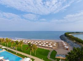Millennium Resort Mussanah, hotel in Al-Musannah