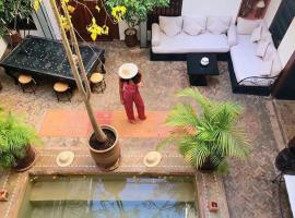 Riad Les Nuits de Marrakech, hotel near Souk of the Medina, Marrakesh