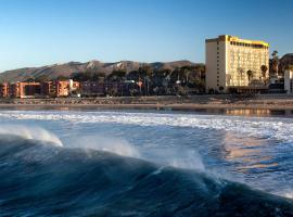 Crowne Plaza Hotel Ventura Beach, an IHG Hotel, hotel with pools in Ventura