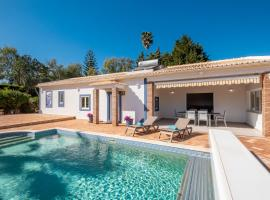Casa Amada - Private Villa - Heated pool - Free wifi - Air Con, hotel en Silves