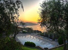 Gocce Di Capri Resort, serviced apartment in Massa Lubrense