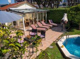 Villa pour 8 personnes avec Spa, hotel with jacuzzis in Antibes