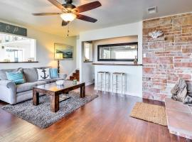 Stunning Monterey Home with Views Right on the Bay!, vacation rental in Monterey