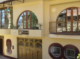 Alojamiento Bella-Vista, guest house in Huaraz