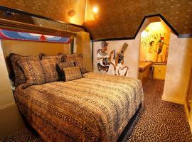 Black Swan Inn Luxurious Theme Rooms, Hotel in Pocatello
