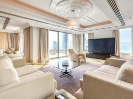 Maison Privee - Shams 1, hotel near Nakheel Harbor and Tower Metro Station, Dubai